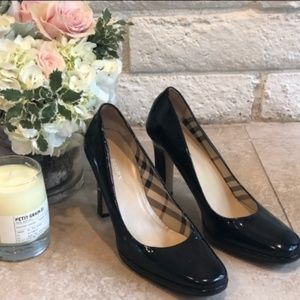 Burberry black patent leather heels size 39